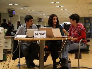 Periodistas de Berria Telebista en la noche electoral